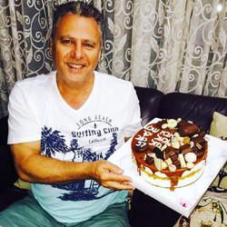 עוגת יום הולדת לחגיגות 57