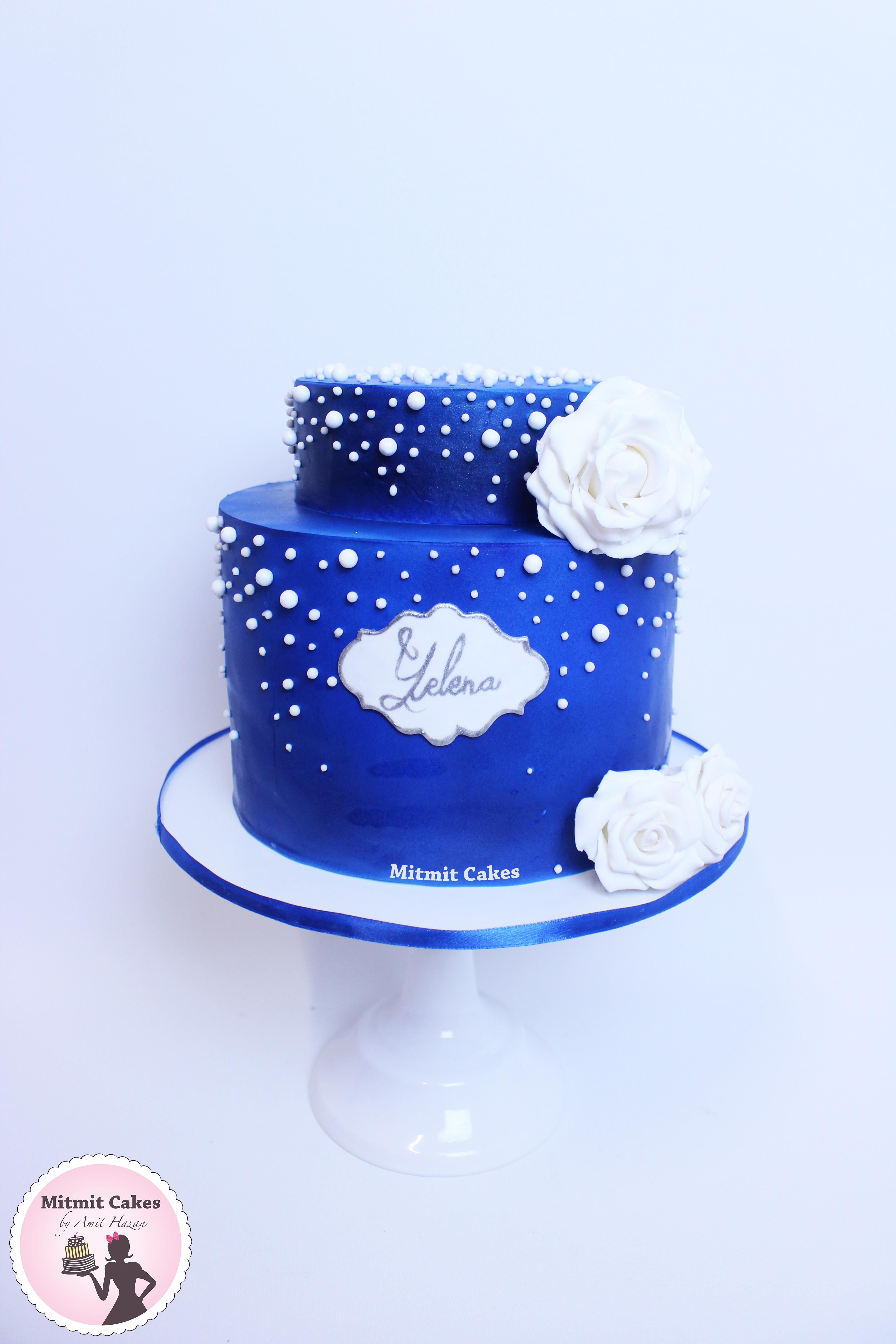 עוגת יום הולדת בשילוב ורדים