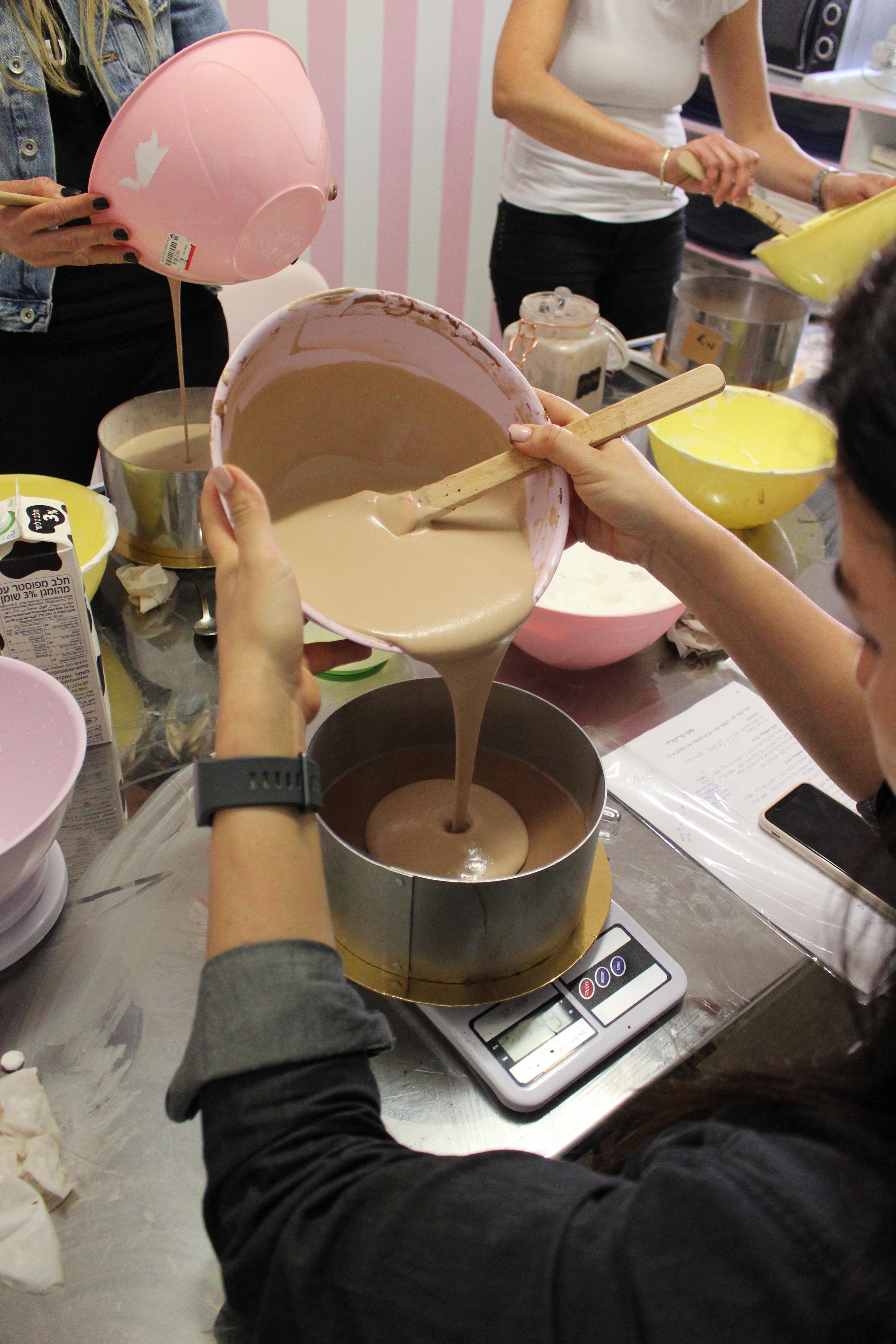 סדנה לעיצוב עוגות מוס