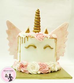 עוגת חד קרן עם כנפיים