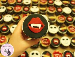 קאפקייקס שפתיים מדממות- אימה