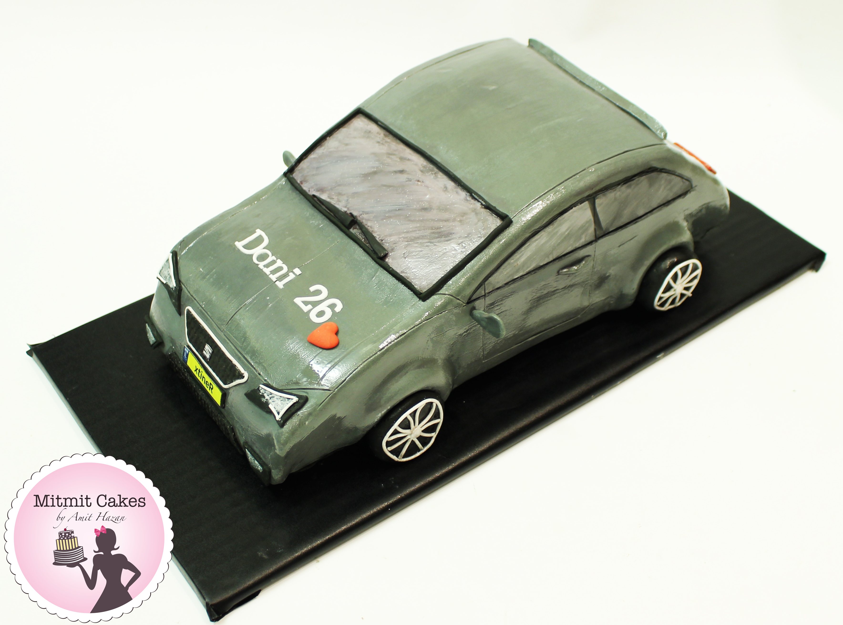 עוגה בצורת רכב