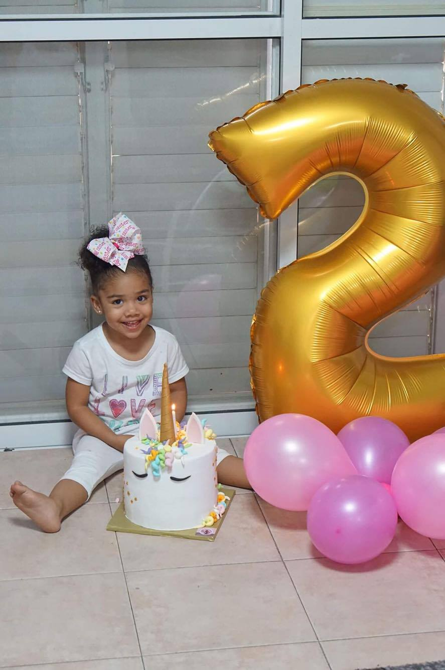 עוגת יום הולדת חד קרן לאווה
