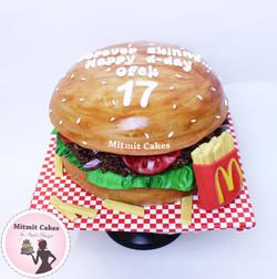 עוגה בצורת המבורגרגר