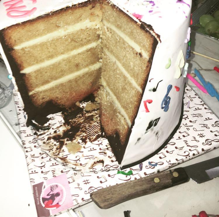עוגת מוזיקה מבפנים