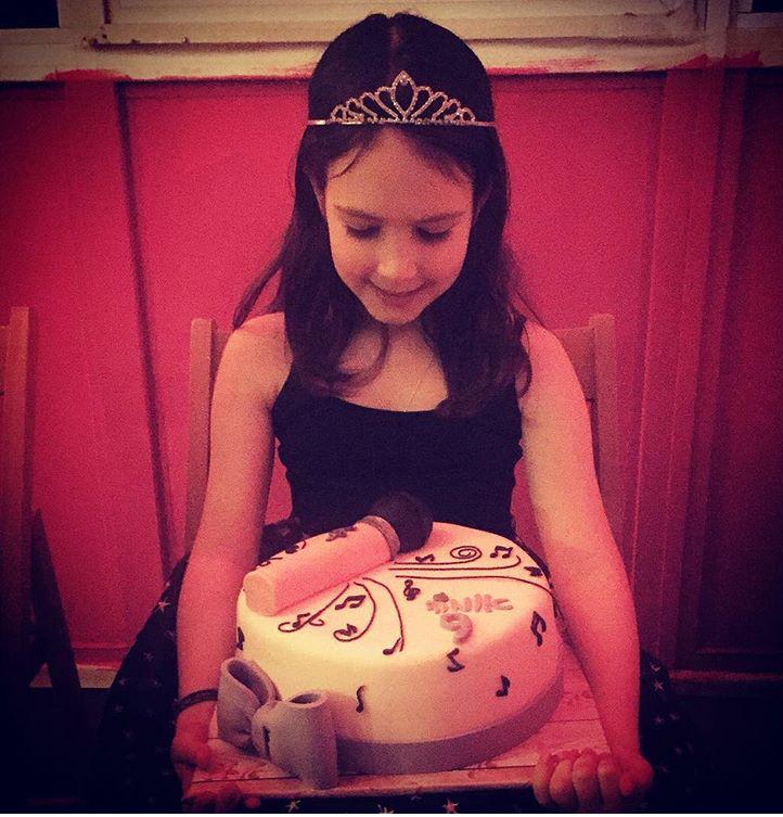 עוגה לאומה המתוקה שאוהבת לשיר