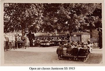 School Class 1915.jpg