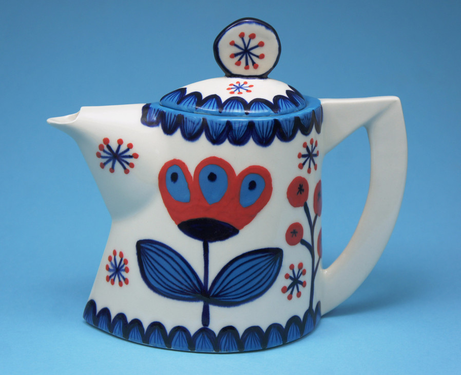 berries small teapot. ..jpg