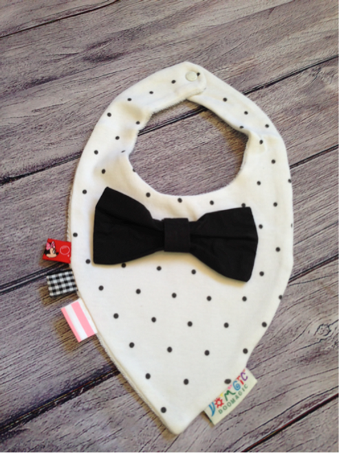 White with black polka dot dribble bib & black bow