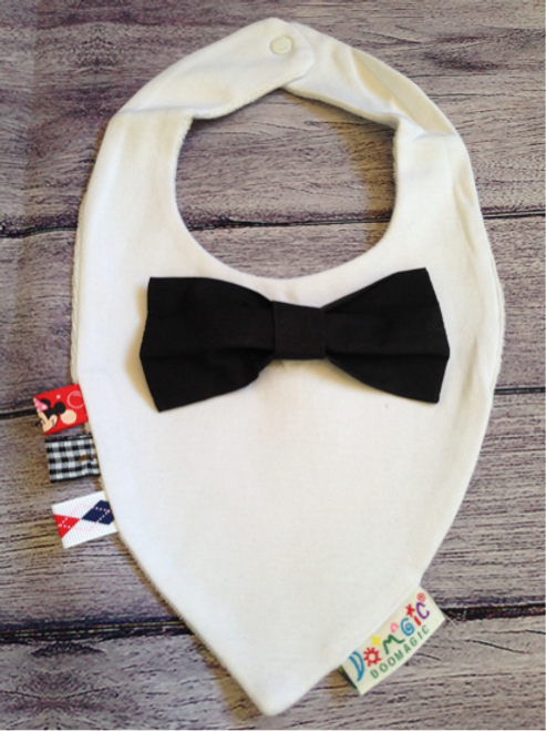 White dribble bib with black bow