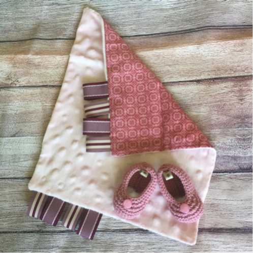 Gift set with  sense cloth & pink newborn booties