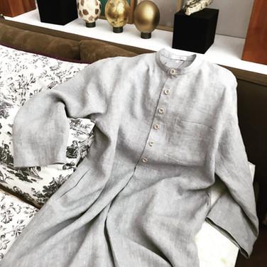 Nachtkleid aus Leinen für den richtigen Mann