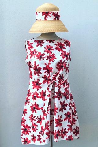 Im Sommer wird das Nachtkleid zum Tagkleid