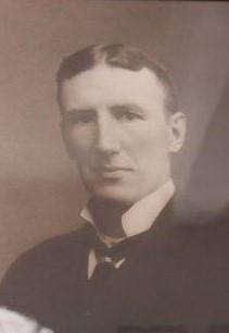 1924 W Arthur Moore