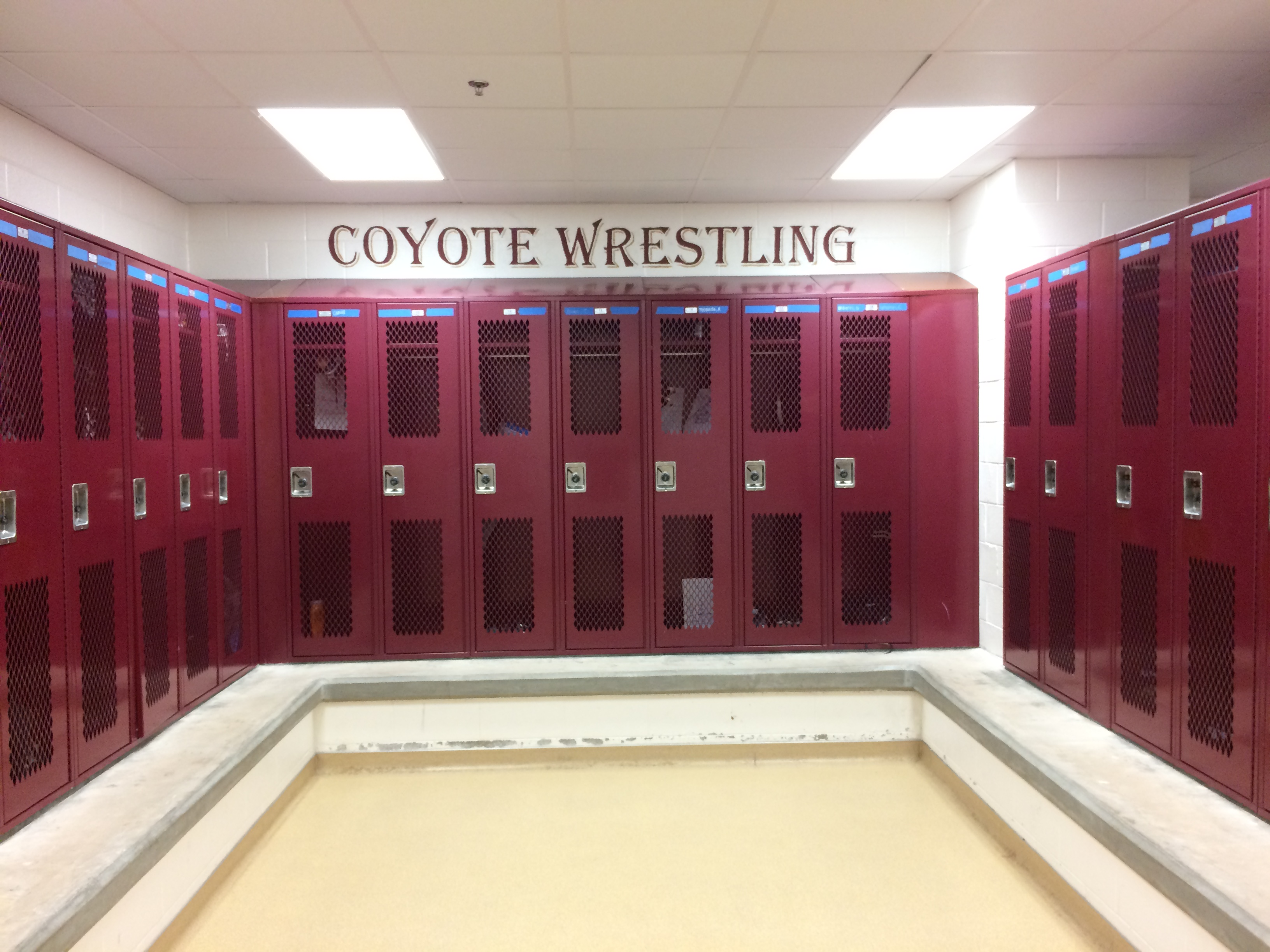 Locker room 01.JPG