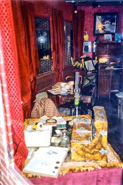 Louvre-Baker-Street-Table1-001.jpg