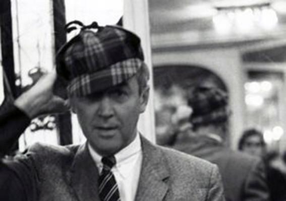 Cinéma - James Stewart en deerstalker à Paris en 1959