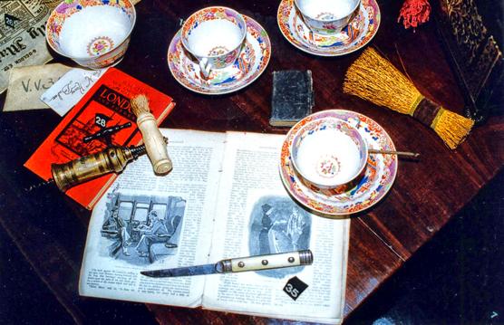 Louvre-Baker-Street-Table2-003.jpg