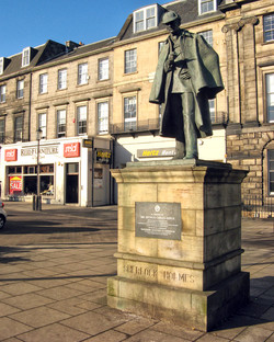 Ecosse-Edinburgh-Statue-02