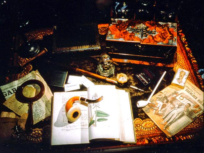 Louvre-Baker-Street-Table1-006.jpg