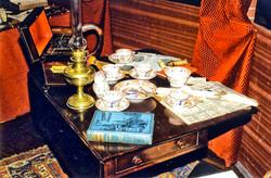 Louvre-Baker-Street-Table2-001.jpg