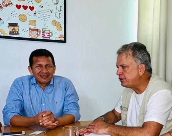 Prefeito Isaac Piyãko (Marechal Thaumaturgo) e Senador Sérgio Petecão (1º Secretário do Senado Federal)