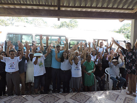 Prefeito Tanizío Sá, realiza entrega de micro-ônibus para assistência aos idosos e deficientes