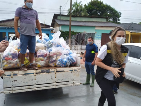 Solidariedade e amor ao próximo, Manoel Urbano, recebe donativos para as famílias