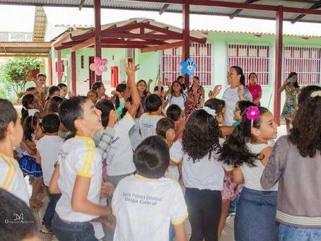 Claudia Lima prestigia projeto da Páscoa da escola Veiga Cabral