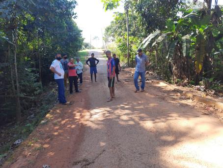 Ladeira do Paraíso recebe visita de vereadores, prefeito e secretário de obras