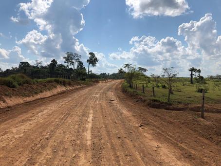 Prefeitura de Brasileia entra com maquinário no ramal do Km 55