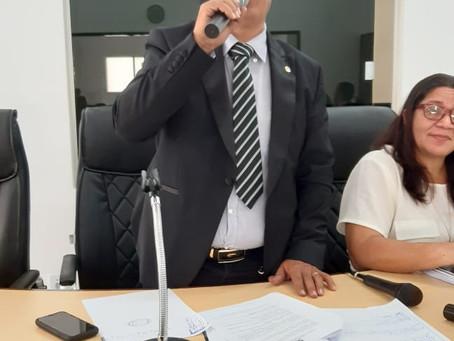 Presidente da Câmara critica ausência de médicos nas UBS, falta de merenda e limpeza urbana