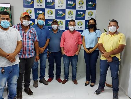 Rosana Gomes busca apoio do DERACRE para realizar força tarefa de recuperação do ramal Nabor Junior