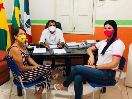 Joelma do Acre vai ao gabinete agradecer o prefeito Bené Damasceno e a primeira-dama