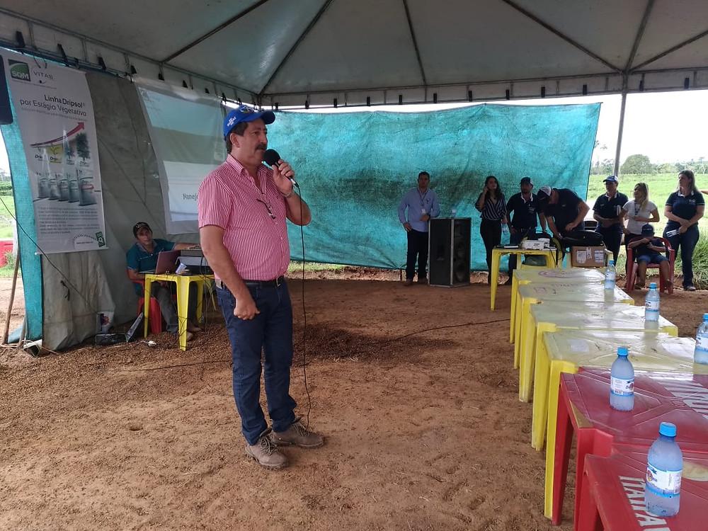 Prefeito Ederaldo Caetano faz abertura do evento Dia de Campo em Acrelândia