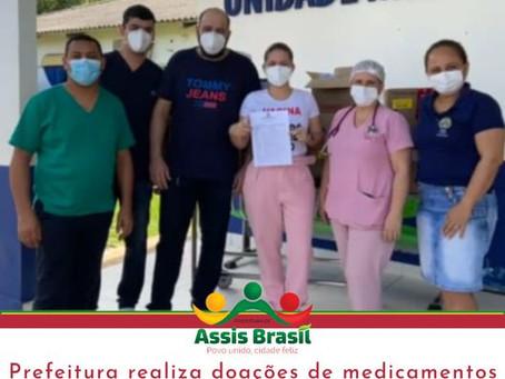 Prefeitura doa medicamentos a UMAB e comunidade Indígena Rio Acre