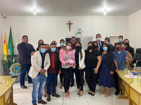 Câmara parabeniza vereadora Leire do Mixico pela passagem do seu aniversário
