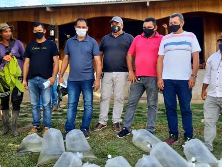 Prefeitura de Marechal Thaumaturgo realiza 3° entrega de alevinos a piscicultores do município