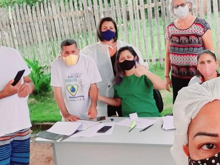 Tenda do amor e amizade: prefeitura leva vacinação contra covid-19 e influenza a população