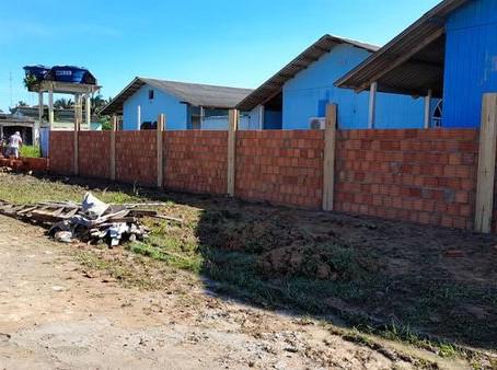 Prefeitura iniciou construção do muro da Escola Dom Próspero Bernardi