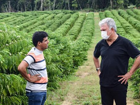 Prefeito em Exercício, Neto do Jamilson, participa de intercâmbio com produtores rurais