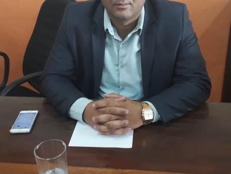 José Radamés solicita notas fiscais referente a materiais permanentes e didáticos