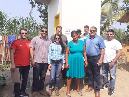 Prefeitura de Mâncio Lima entrega banheiros para moradores do Bairro Iracema