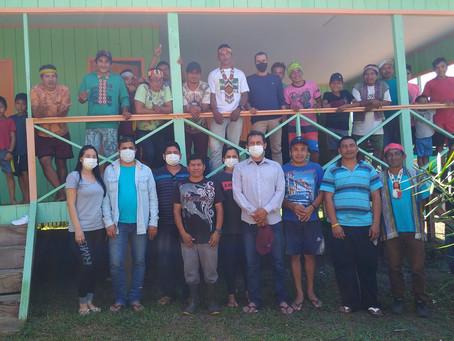 Prefeito Isaac Piyãko entrega a nova escola Rainha da Floresta ao indigenistas Huni Kui