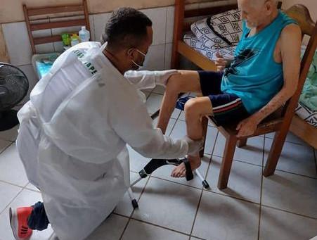 Idosos da Casa Lar São João do Guarani recebem atendimento de fisioterapia