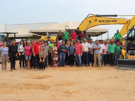 Prefeitura de Brasileia entrega maquinários para comunidades rurais