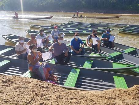 """Prefeito Isaac Piyãko entrega """"botes"""" de alumínios aos agentes comunitário de saúde da zona rural"""