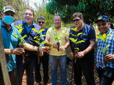 Prefeito Olavinho garante apoio para Agricultura e Meio Ambiente de Acrelândia