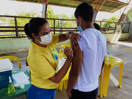 Secretária Municipal de Saúde convida a população para se imunizar contra a Covid-19