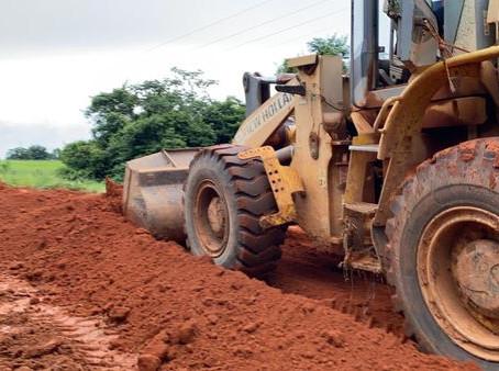 Prefeitura trabalha na melhoria de ramais e garante assistência ao produtor rural